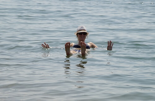 Dode Zee drijven